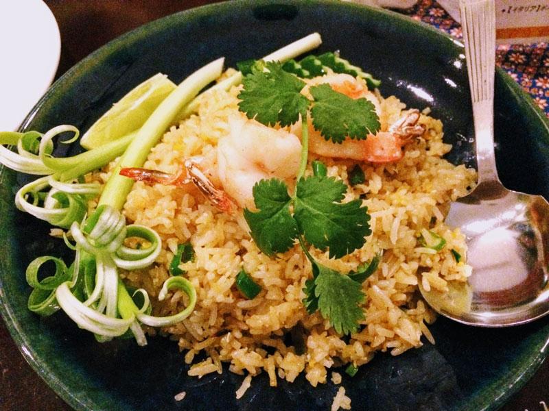 店内でゆっくり食事したい、タイ料理バンダル(BANDAR)UberEats福岡にも登場